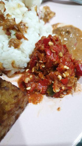 Foto 3 - Makanan di Nasi Uduk Kota Intan (Aweng) oleh Naomi Suryabudhi