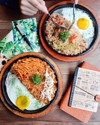 Foto Makanan di Magma Plate