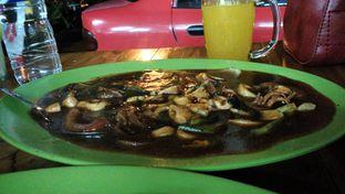 Foto 2 - Makanan(Cumi saus lada hitam) di HDL 293 Cilaki oleh Shabira Alfath