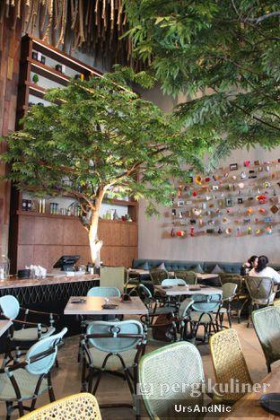 Foto 5 - Interior di Lalla Restaurant oleh UrsAndNic