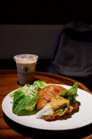 Foto 7 - Makanan di Hiveworks Co-Work & Cafe oleh yudistira ishak abrar