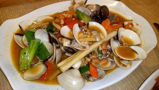 Foto 2 - Makanan( kerang kepa saus tauco ) di Cak Ghofur Seafood oleh Jocelin Muliawan