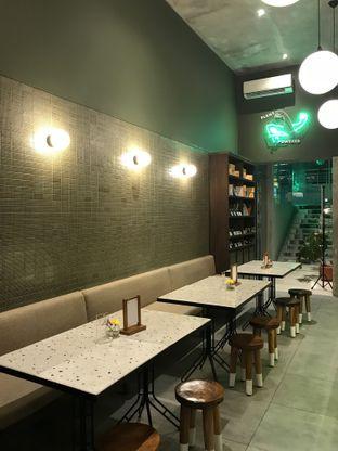 Foto 4 - Interior di Burgreens Eatery oleh FebTasty  (Feb & Mora)