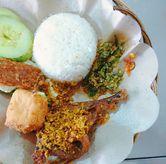 Foto Bebek Lombok Ijo di Ayam Penyet Surabaya