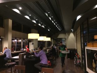 Foto 4 - Interior di Starbucks Coffee oleh Elvira Sutanto