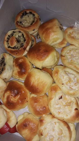 Foto - Makanan di Roti Unyil Venus oleh Mouthgasm.jkt