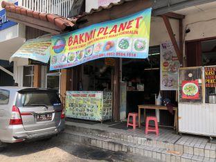 Foto 4 - Eksterior di Bakmi Karet Planet oleh Budi Lee