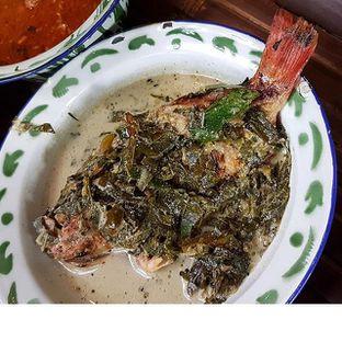 Foto 4 - Makanan(Nila Calabalatuik) di Warung Tuman oleh Gembuli Tan
