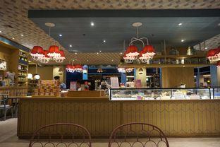 Foto 10 - Interior di Colette & Lola oleh yudistira ishak abrar