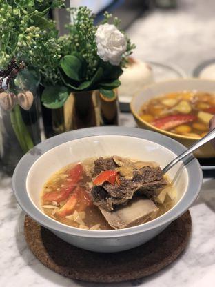 Foto 1 - Makanan(Sop Iga) di Auntie's Kitchen oleh feedthecat