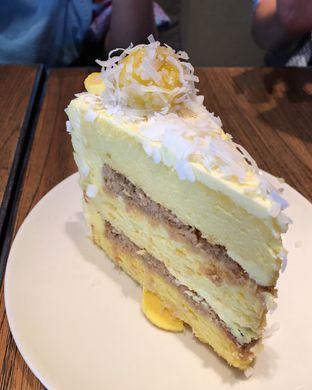 Foto 1 - Makanan(Durian cake) di Toby's Estate oleh Claudia @claudisfoodjournal