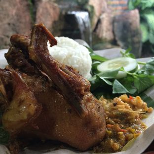 Foto 8 - Makanan di Bebek Goreng Harissa oleh Rinarinatok