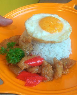 Foto 1 - Makanan(MANDARIN CHICKEN (IDR 28K) ) di Cheeky Monkey oleh Renodaneswara @caesarinodswr