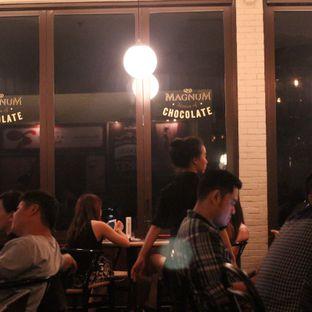 Foto 7 - Interior di Magnum Cafe oleh Steven Ngadiman