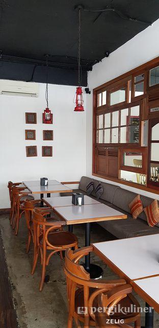 Foto 8 - Interior di Mandaga Canteen oleh @teddyzelig