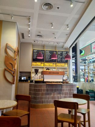 Foto 3 - Interior di Joe & Dough oleh FOODIARYPAOPAO