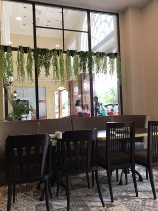Foto 2 - Interior di Ta Huang Restaurant oleh Jeljel