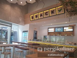 Foto 1 - Interior di 6Pack Salad Bar oleh EATIMOLOGY Rafika & Alfin