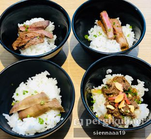 Foto 6 - Makanan(gyu tan. beef teriyaki. beef yakiniku. sansaru steak don) di 3 Wise Monkeys oleh Sienna Paramitha