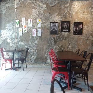 Foto 7 - Interior di Ong's Kitchen oleh felita [@duocicip]