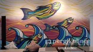 Foto 6 - Interior di Lox Smoked Salmon oleh UrsAndNic