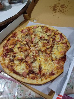 Foto 1 - Makanan(Meat Combo) di Pizza Romas & Coffee oleh Florentine Lin