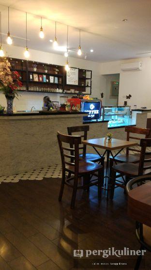 Foto 2 - Interior di Coffee On Fifth oleh Oppa Kuliner (@oppakuliner)