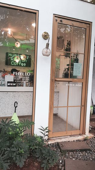 Foto 7 - Interior di Phyllo Coffee oleh Sherly (IG: @sher.deal)