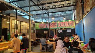 Foto 1 - Interior di Ayam Kremes Suroboyoo oleh Tia Oktavia