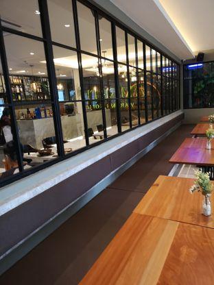 Foto 10 - Interior di Amertha Warung Coffee oleh om doyanjajan