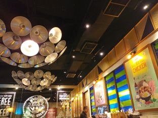 Foto 8 - Interior di The People's Cafe oleh Qorry Ayuni