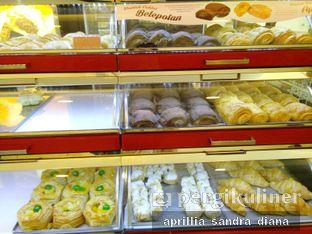 Foto 2 - Makanan di Holland Bakery oleh Diana Sandra