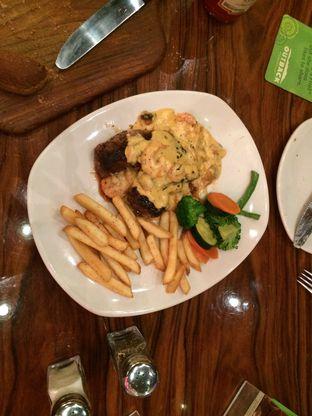 Foto 2 - Makanan di Outback Steakhouse oleh Elvira Sutanto