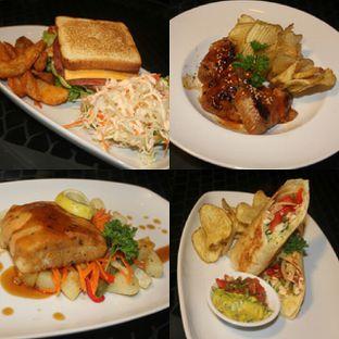 Foto 3 - Makanan di Level 03 Rooftop & Grill by Two Stories oleh separuhakulemak