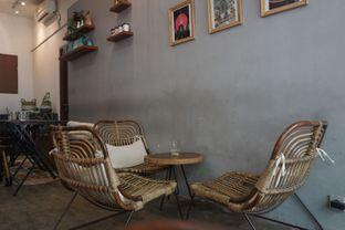 Foto 9 - Interior di Makmur Jaya Coffee Roaster oleh Fadhlur Rohman