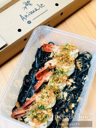 Foto 4 - Makanan(linguine nero al bronzo prawn) di Animale Restaurant oleh Sienna Paramitha