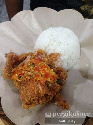 Foto 1 - Makanan(Paket ayam geprek) di Geprek Bensu oleh halliberty