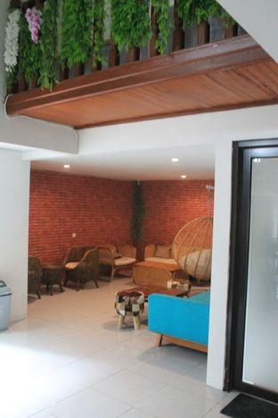Foto 11 - Interior di Hidden Haus Coffee & Tea oleh Prido ZH