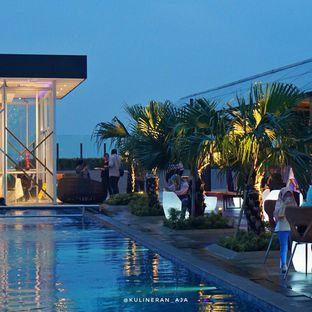 Foto 3 - Eksterior di Skyview Pool & Bar - Mercure Hotel oleh @kulineran_aja