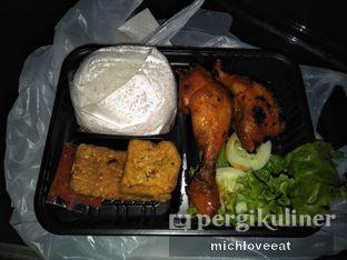 Foto 2 - Makanan di Ayam Bakar Kambal oleh Mich Love Eat