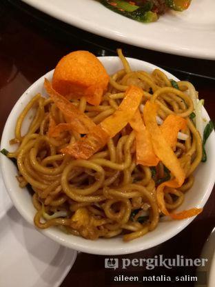 Foto 2 - Makanan(Mie Goreng Ultah) di Haka Restaurant oleh @NonikJajan