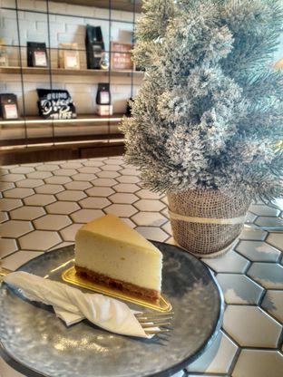 Foto 1 - Makanan(Cheesecake) di Toby's Estate oleh Monika Ardine