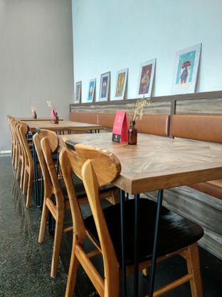 Foto 2 - Interior di Kaca Coffee & Eatery oleh Ika Nurhayati