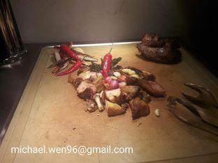 Foto 1 - Makanan(Ayam cabai hijaunya.) di Cafe One - Wyndham Casablanca Jakarta oleh Michael Wenadi