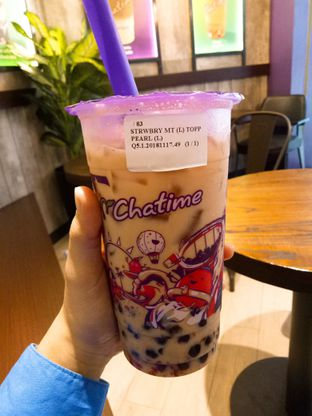 Foto - Makanan(Strawberry Milk Tea Pearl) di Chatime oleh Ratu Aghnia