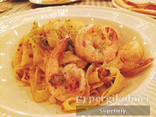Foto 2 - Makanan(aglio olio w/ shrimp) di Brassery oleh @supeririy