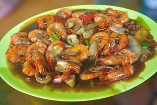Foto 1 - Makanan(Udang Saus Tiram) di Parit 9 Seafood oleh Fadhlur Rohman
