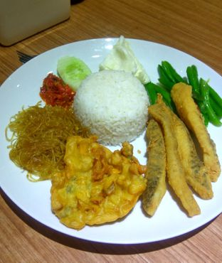 Foto 1 - Makanan(NASI GURAME SAMBAL REMPAH (IDR 42k) ) di Kedai Tjap Semarang oleh Renodaneswara @caesarinodswr
