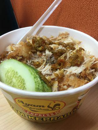 Foto 7 - Makanan di Ayam Keprabon Express oleh Prido ZH
