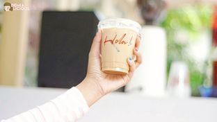 Foto 1 - Makanan(Es Kopi Susu) di Hola! Koffie oleh @demialicious